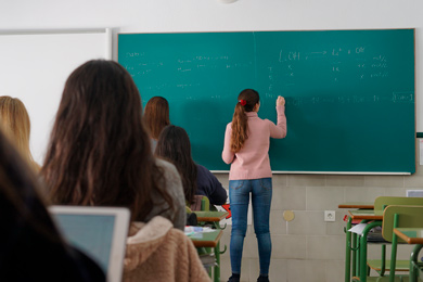 Alumno en la pizarra